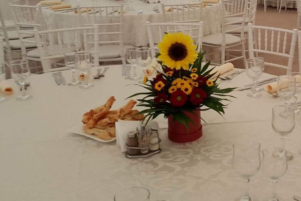 Aranjament Masa Floarea Soarelui Aranjamente Florale Nunta